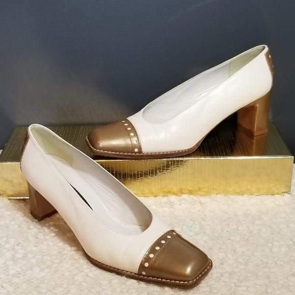 391e8c50505 STUART WEITZMAN White   Gold Low Block Heels 6.5. M 5b2b074745c8b3d4b20c6a42